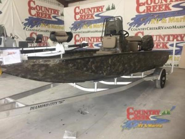 2018 Excel boat for sale, model of the boat is 203 Bay Pro & Image # 1 of 13