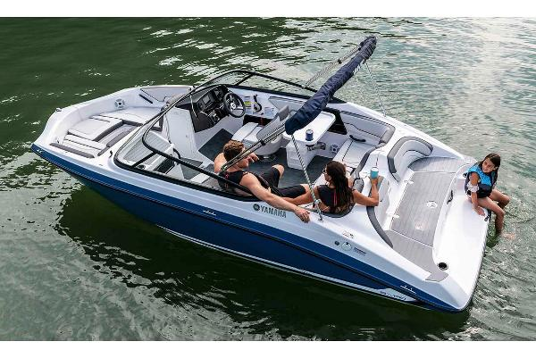 2020 Yamaha boat for sale, model of the boat is SX190 & Image # 3 of 8
