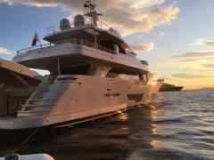 91.86 ft Ferretti Yachts Navetta CL 28
