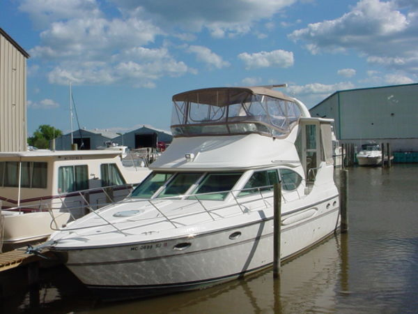41' Maxum 4100 SCA Sport Yacht