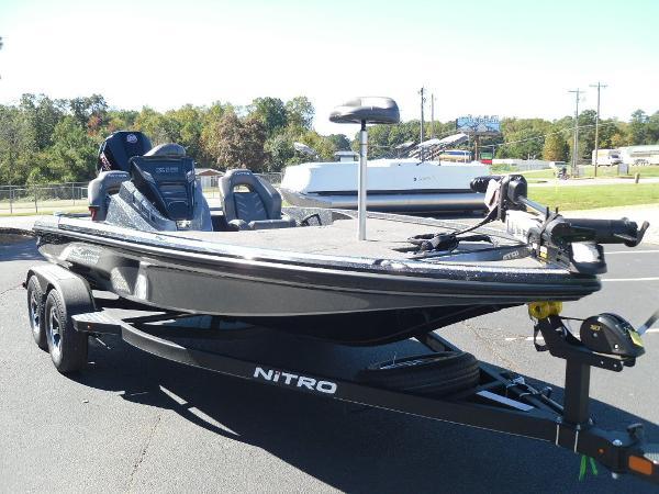 2021 Nitro boat for sale, model of the boat is Z18 & Image # 13 of 40