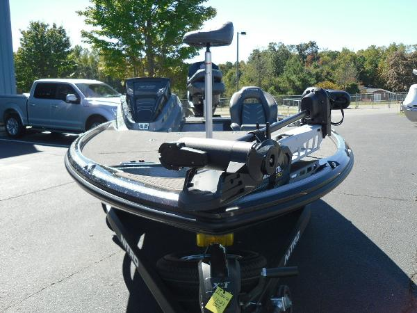 2021 Nitro boat for sale, model of the boat is Z18 & Image # 21 of 40