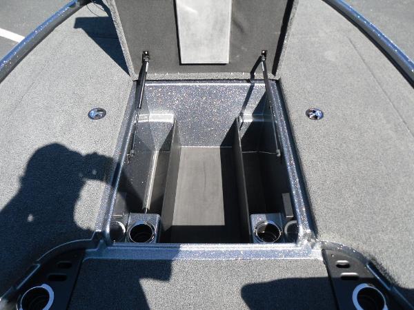 2021 Nitro boat for sale, model of the boat is Z18 & Image # 33 of 40