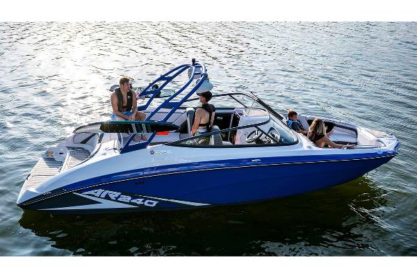 2020 Yamaha boat for sale, model of the boat is AR240 & Image # 3 of 7