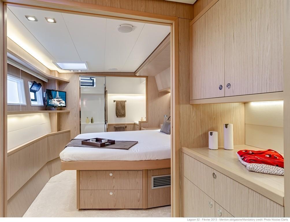 52 Lagoon 2019 Bordeaux | Denison Yacht Sales