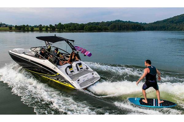 2020 Yamaha boat for sale, model of the boat is 212X & Image # 2 of 9