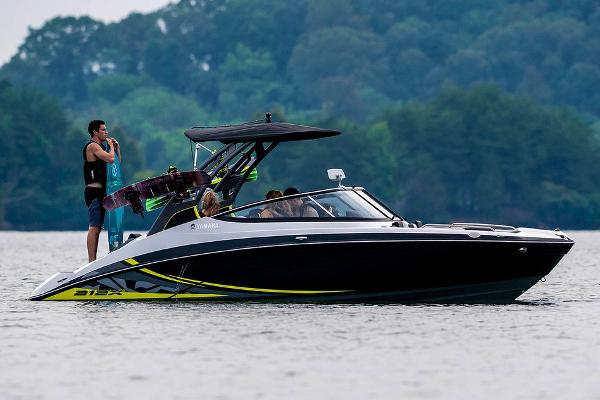 2020 Yamaha boat for sale, model of the boat is 212X & Image # 3 of 9