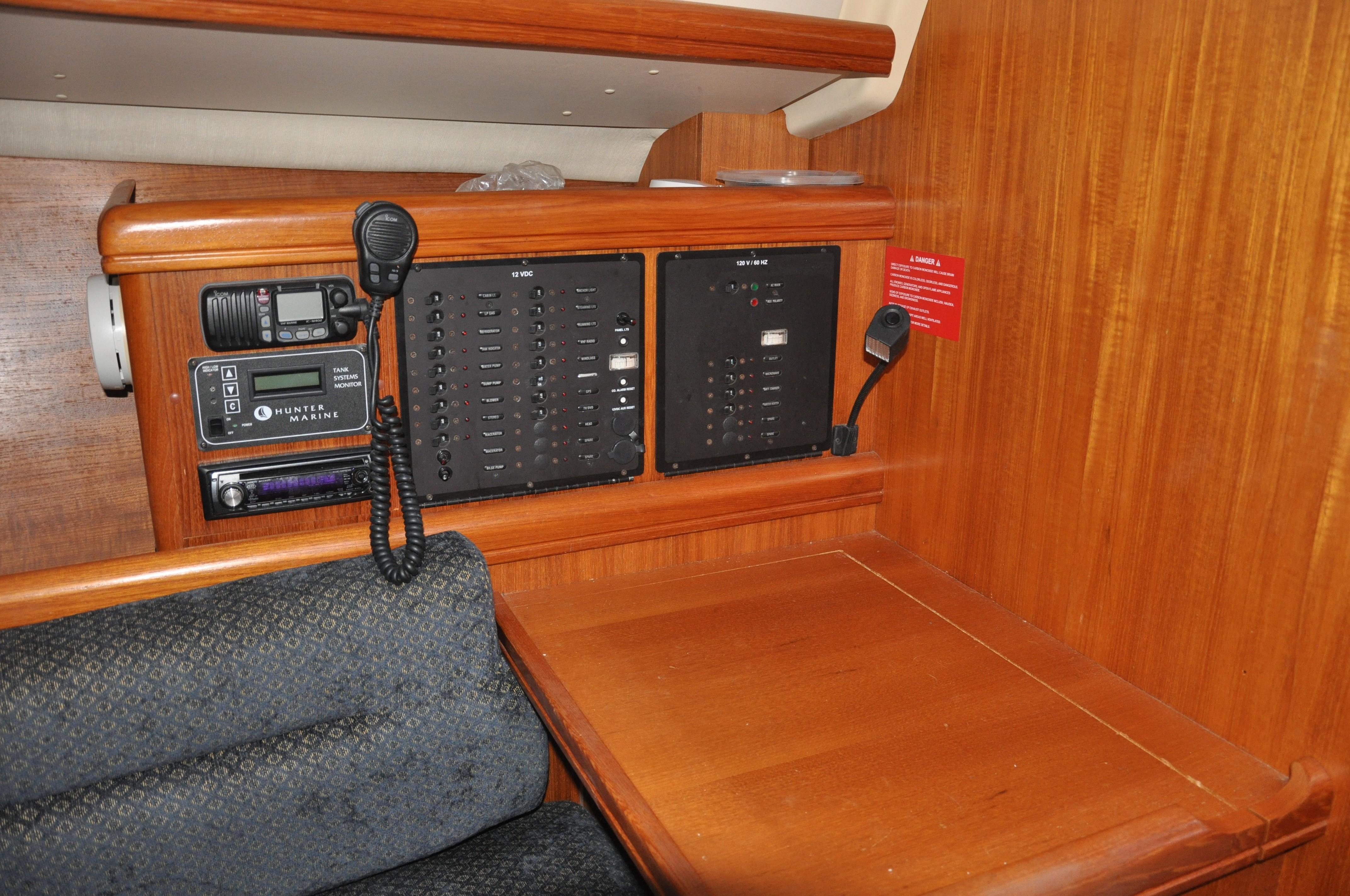 2005 Hunter 33 | Sailboats for Sale