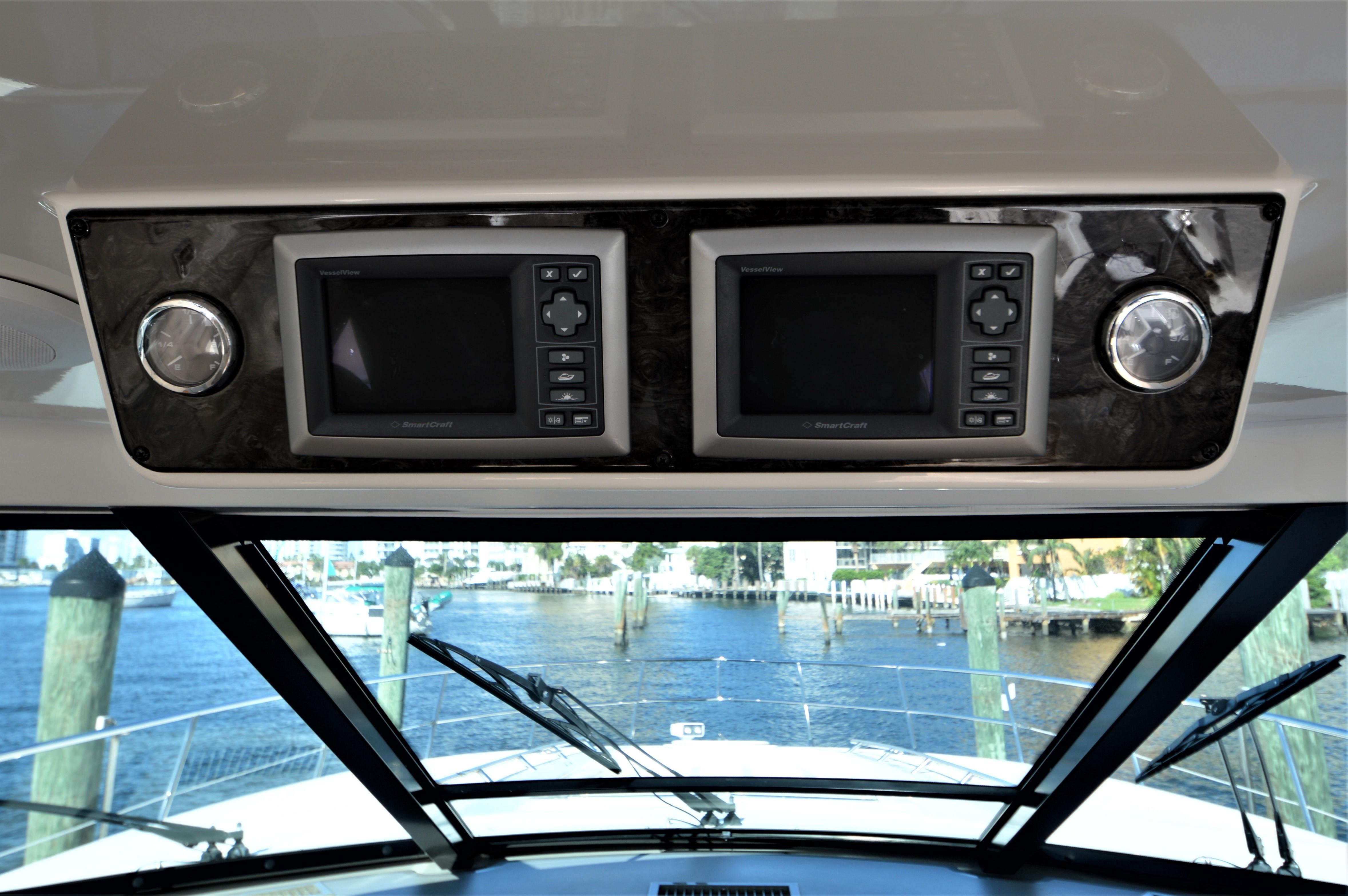 2012 Sea Ray 540 Lazy Blum - Engine Monitors