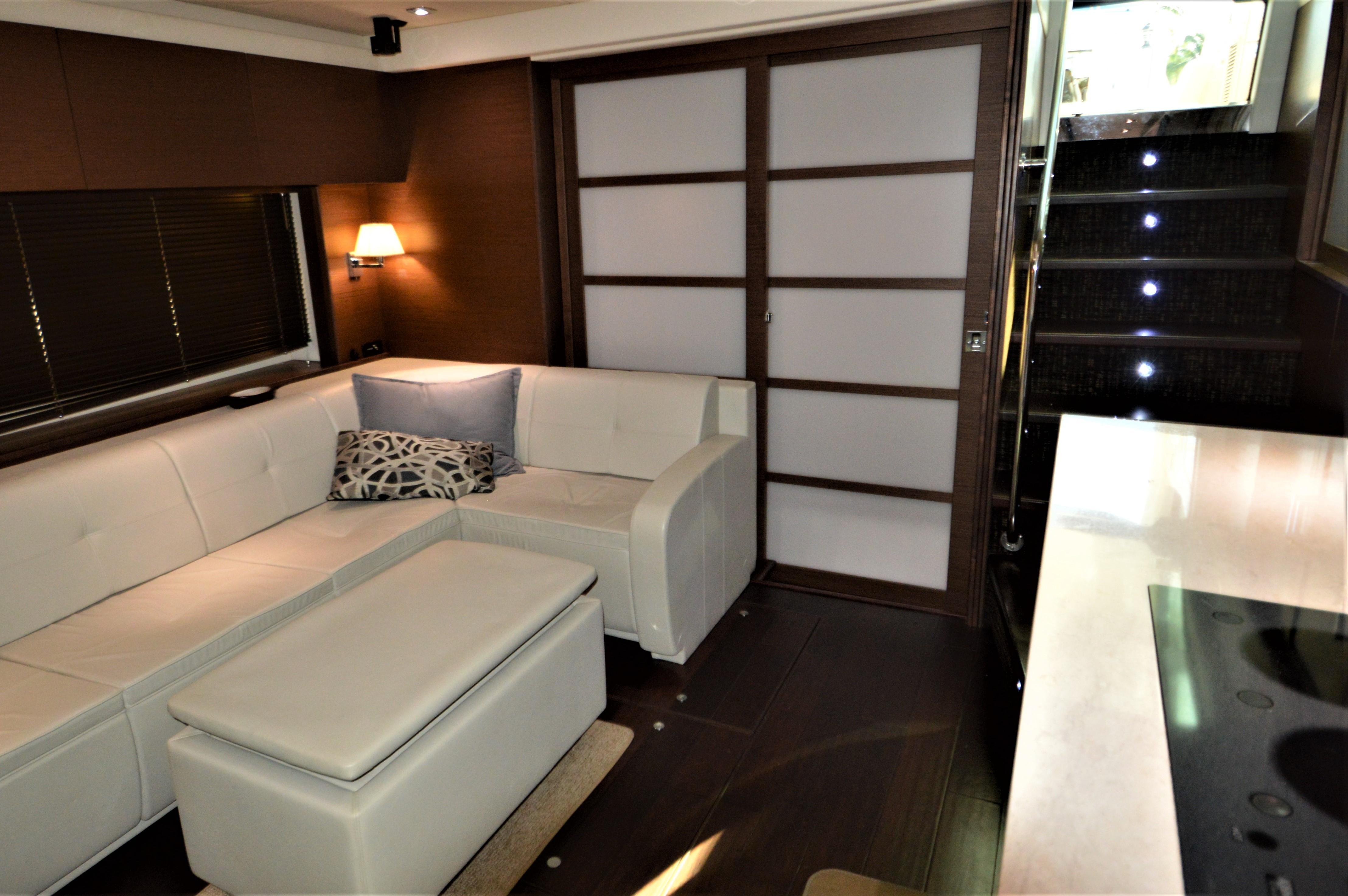 2012 Sea Ray 540 Lazy Blum - Salon Aft