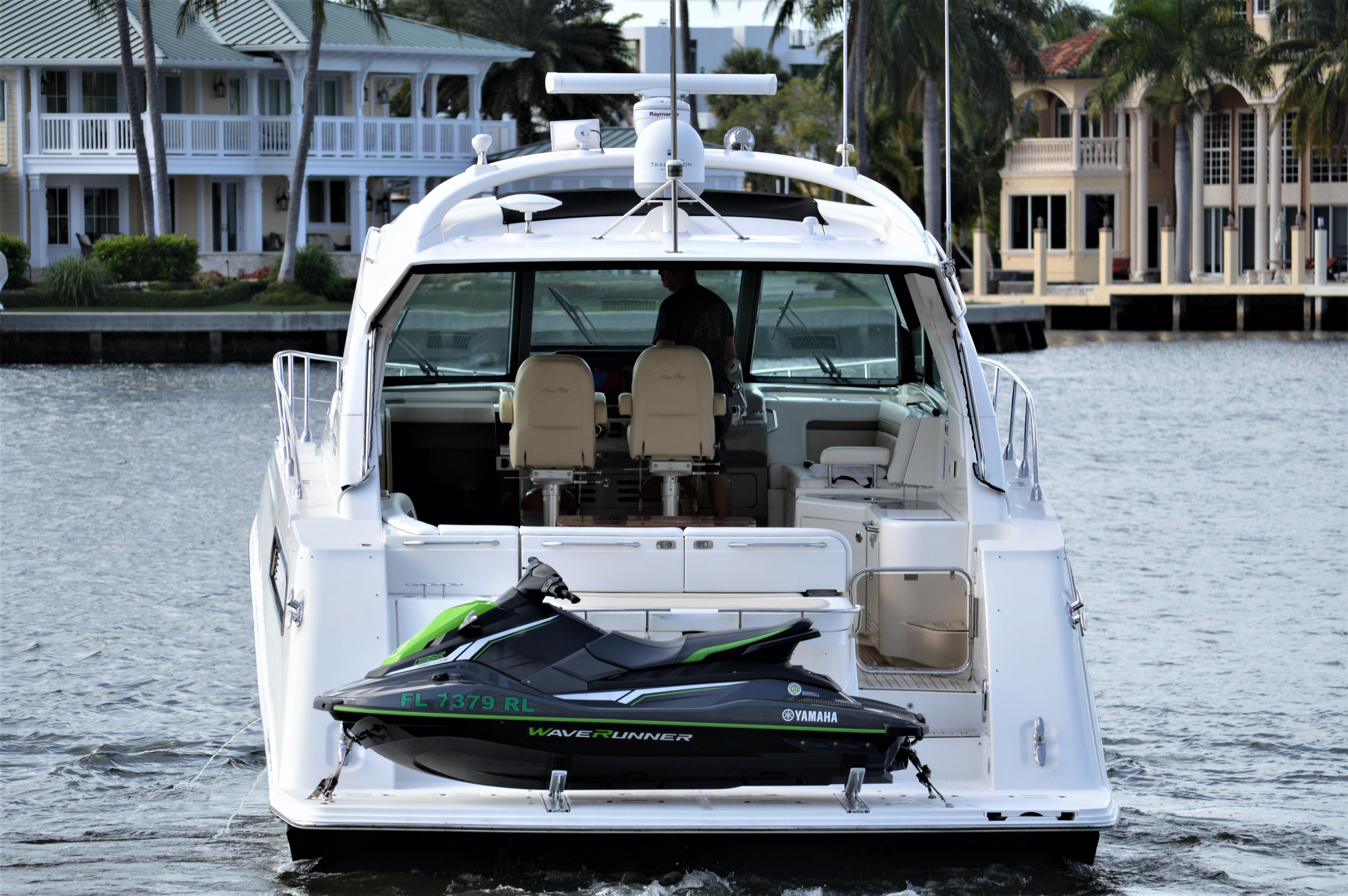 2012 Sea Ray 540 Lazy Blum - Aft Profile
