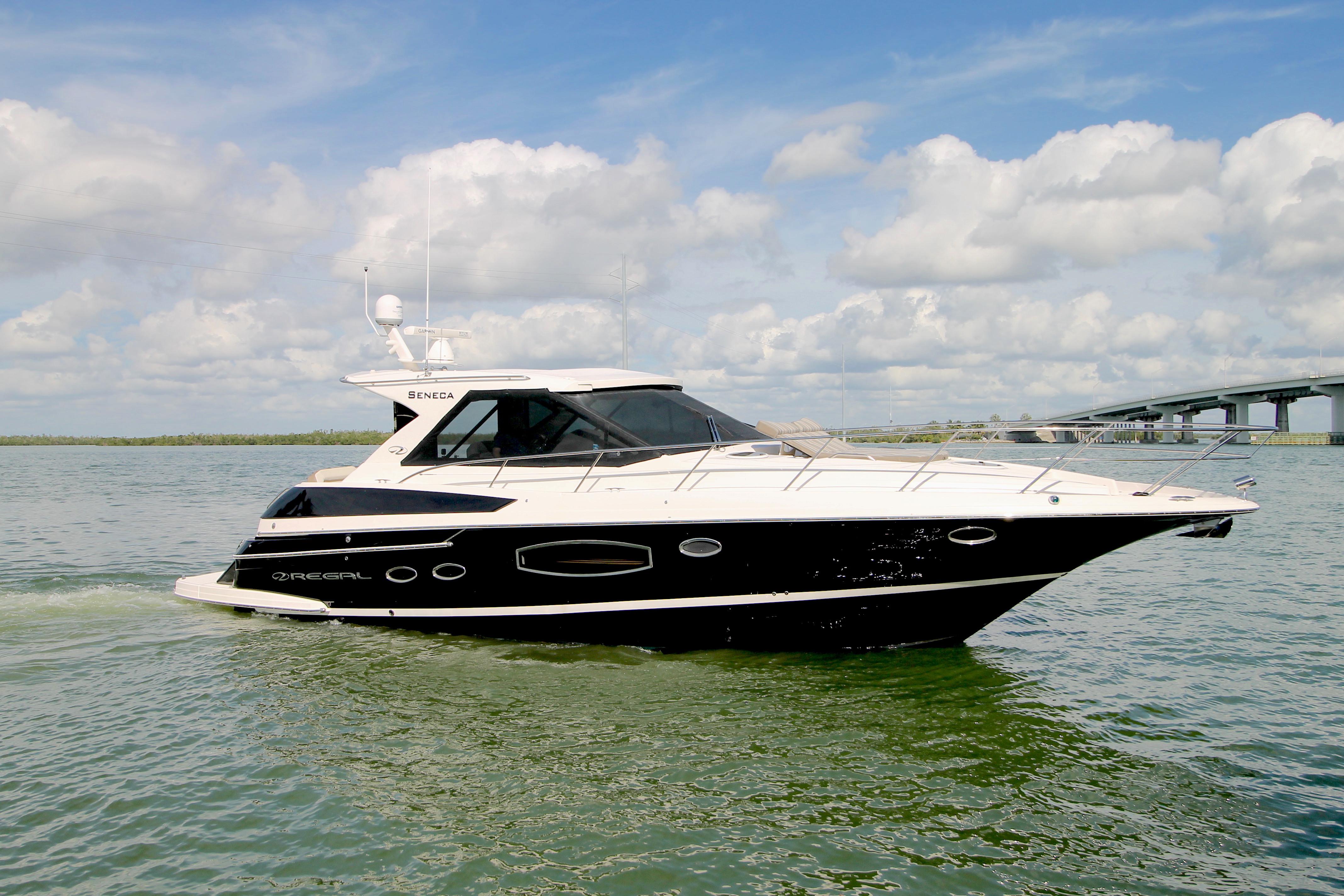 46 ft Regal 46 Sport Coupe