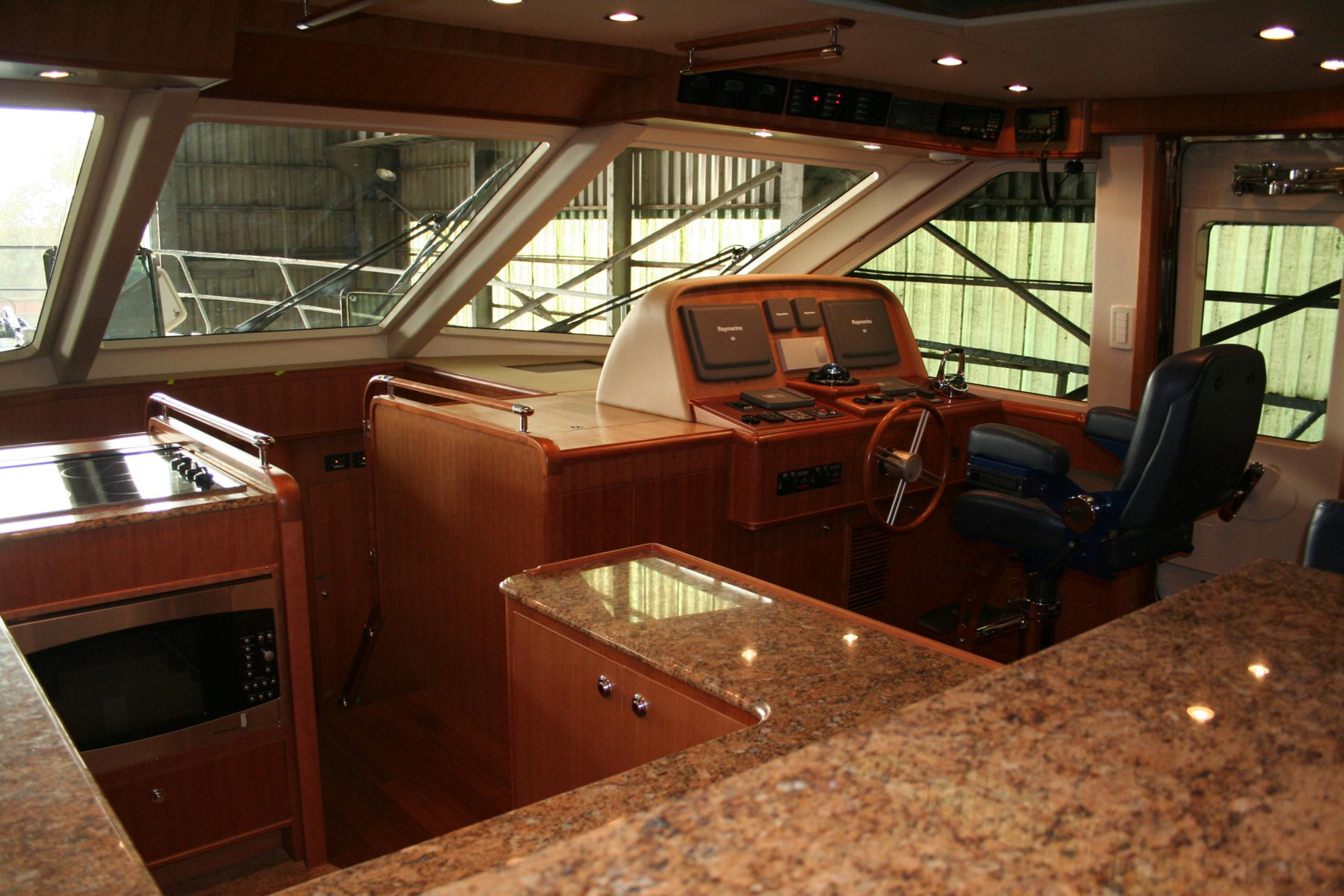 Hunt Yachts 68 Ocean Series
