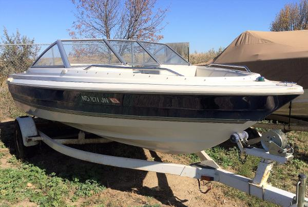 1998 Bayliner boat for sale, model of the boat is Capri 1950 & Image # 1 of 9