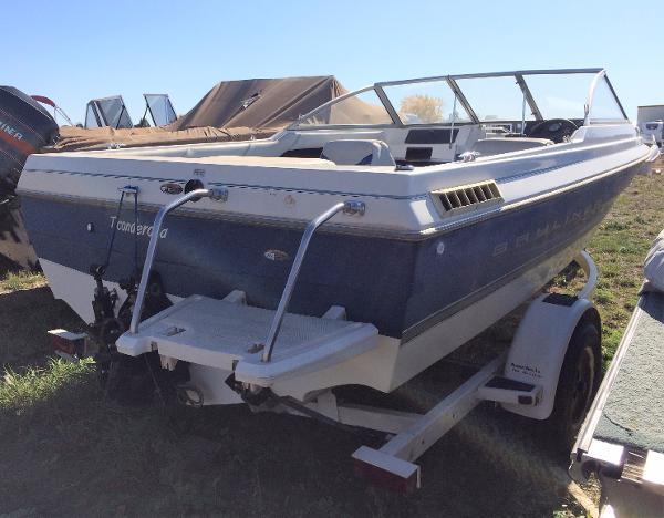 1998 Bayliner boat for sale, model of the boat is Capri 1950 & Image # 3 of 9