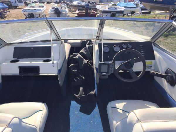 1998 Bayliner boat for sale, model of the boat is Capri 1950 & Image # 5 of 9