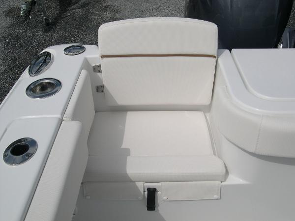 Gamefish 27 Forward Seat Photo 45