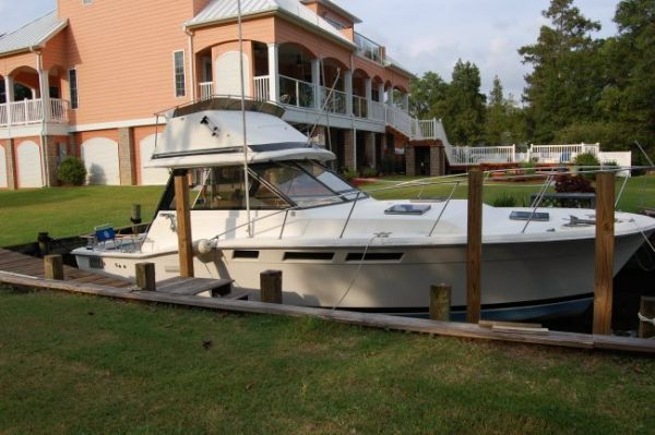 Trojan Flybridge Express Convertible Boats. Listing Number: M-3149702