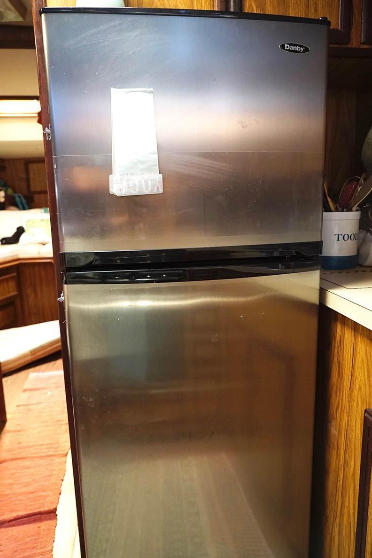Viking 43 DCMY - Galley Refrigerator