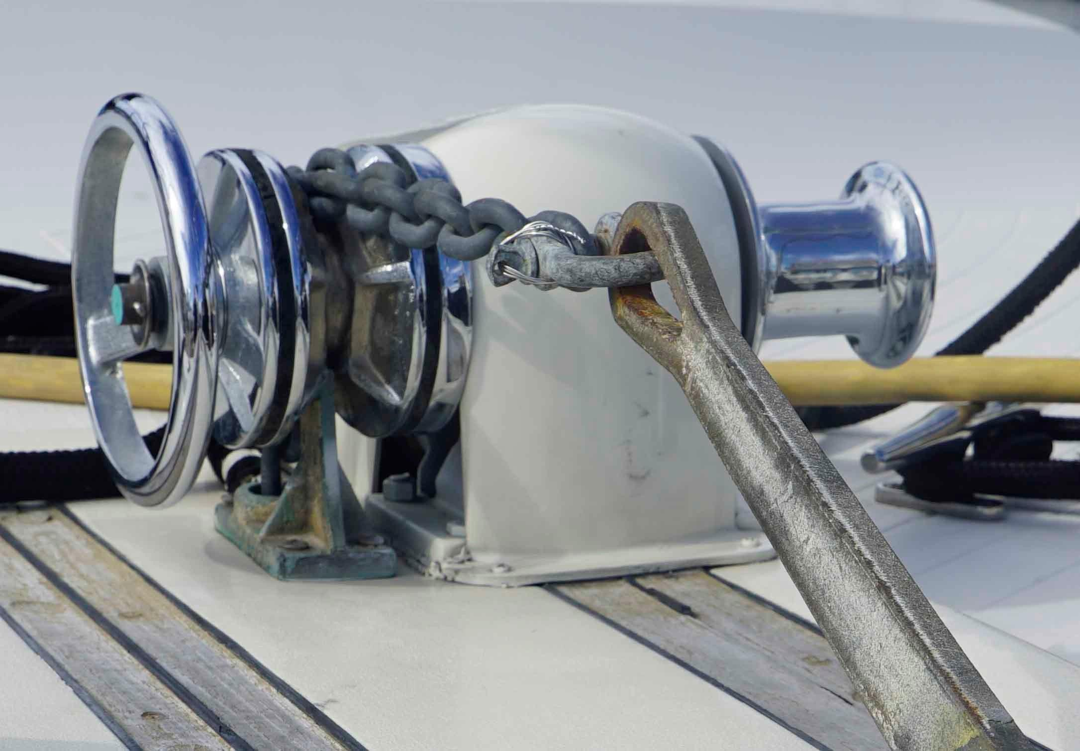 Viking 43 DCMY - Anchor Windlass