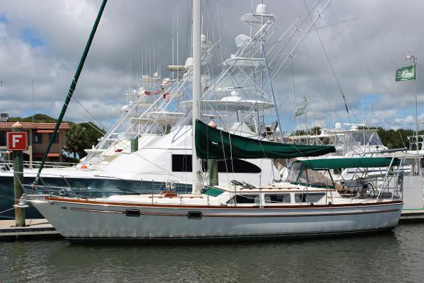 39' Gulfstar 1981 39 Sailmaster