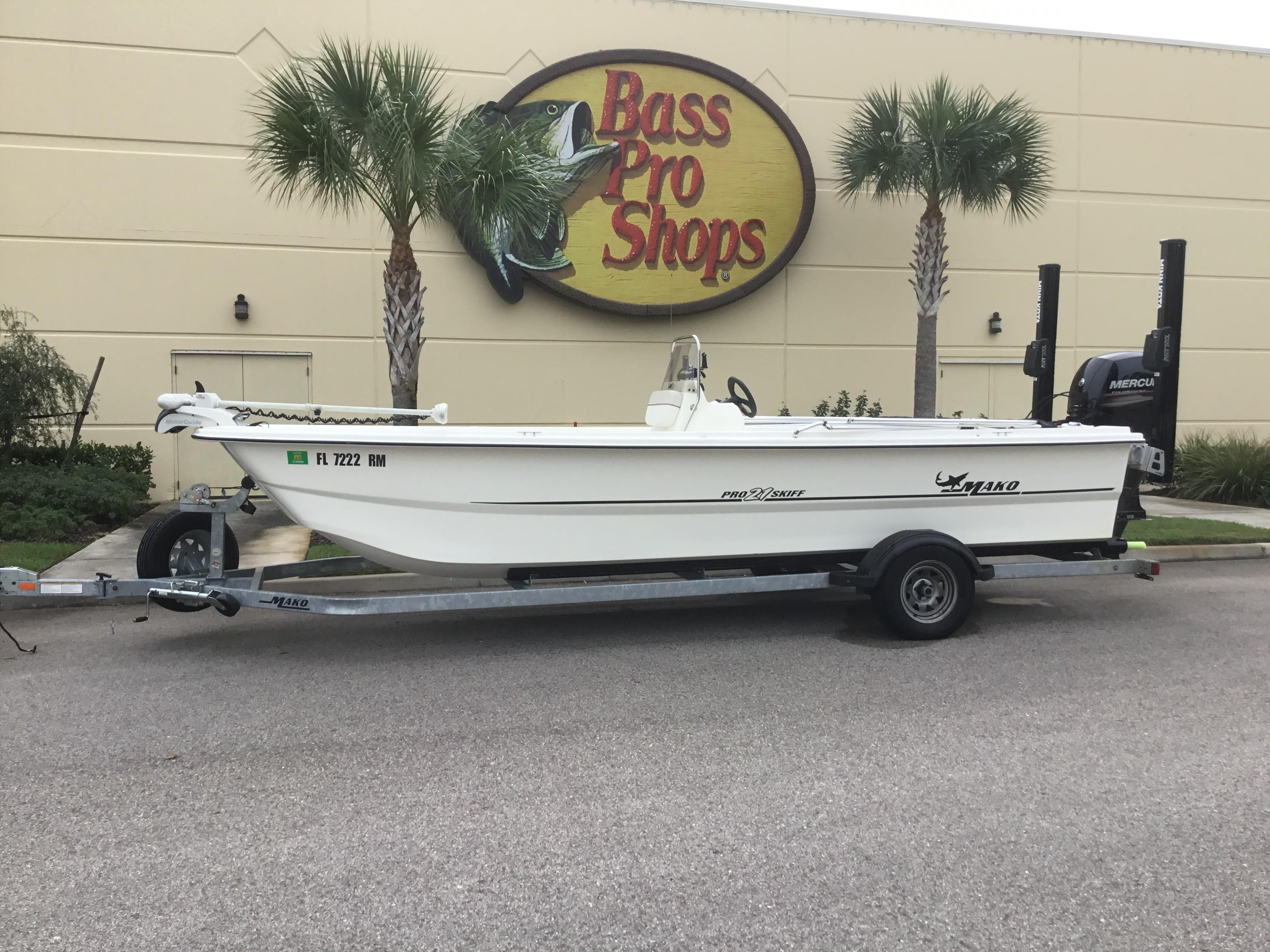 Boat Inventory - Port St. Lucie, FL Bass Pro Shops Tracker Boat ...
