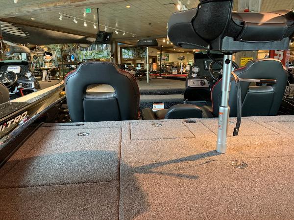 2021 Nitro boat for sale, model of the boat is Z21 & Image # 13 of 16