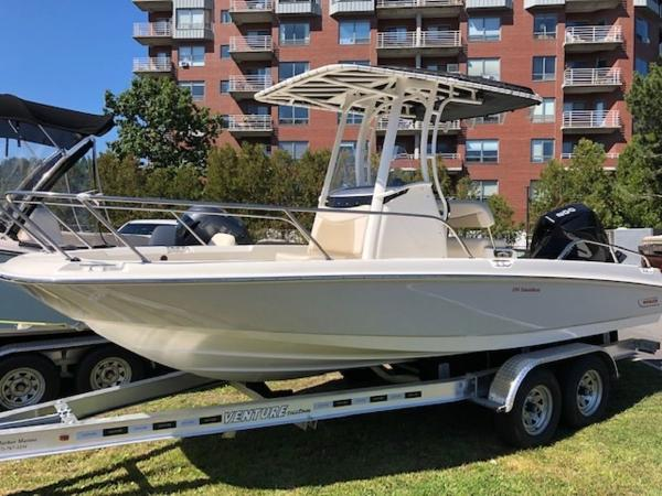 2020 Boston Whaler boat for sale, model of the boat is 210 Dauntless & Image # 1 of 11