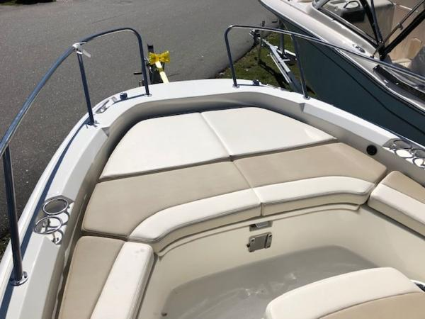 2020 Boston Whaler boat for sale, model of the boat is 210 Dauntless & Image # 5 of 11