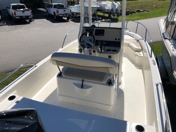 2020 Boston Whaler boat for sale, model of the boat is 210 Dauntless & Image # 6 of 11