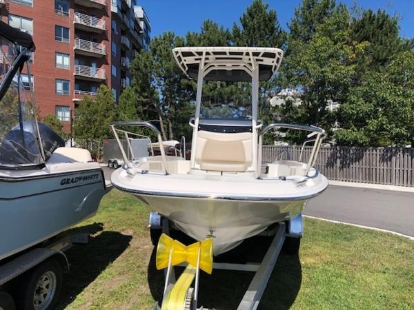 2020 Boston Whaler boat for sale, model of the boat is 210 Dauntless & Image # 7 of 11