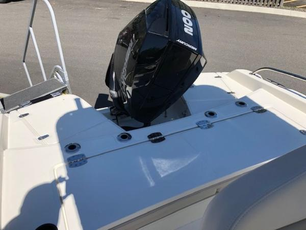 2020 Boston Whaler boat for sale, model of the boat is 210 Dauntless & Image # 11 of 11