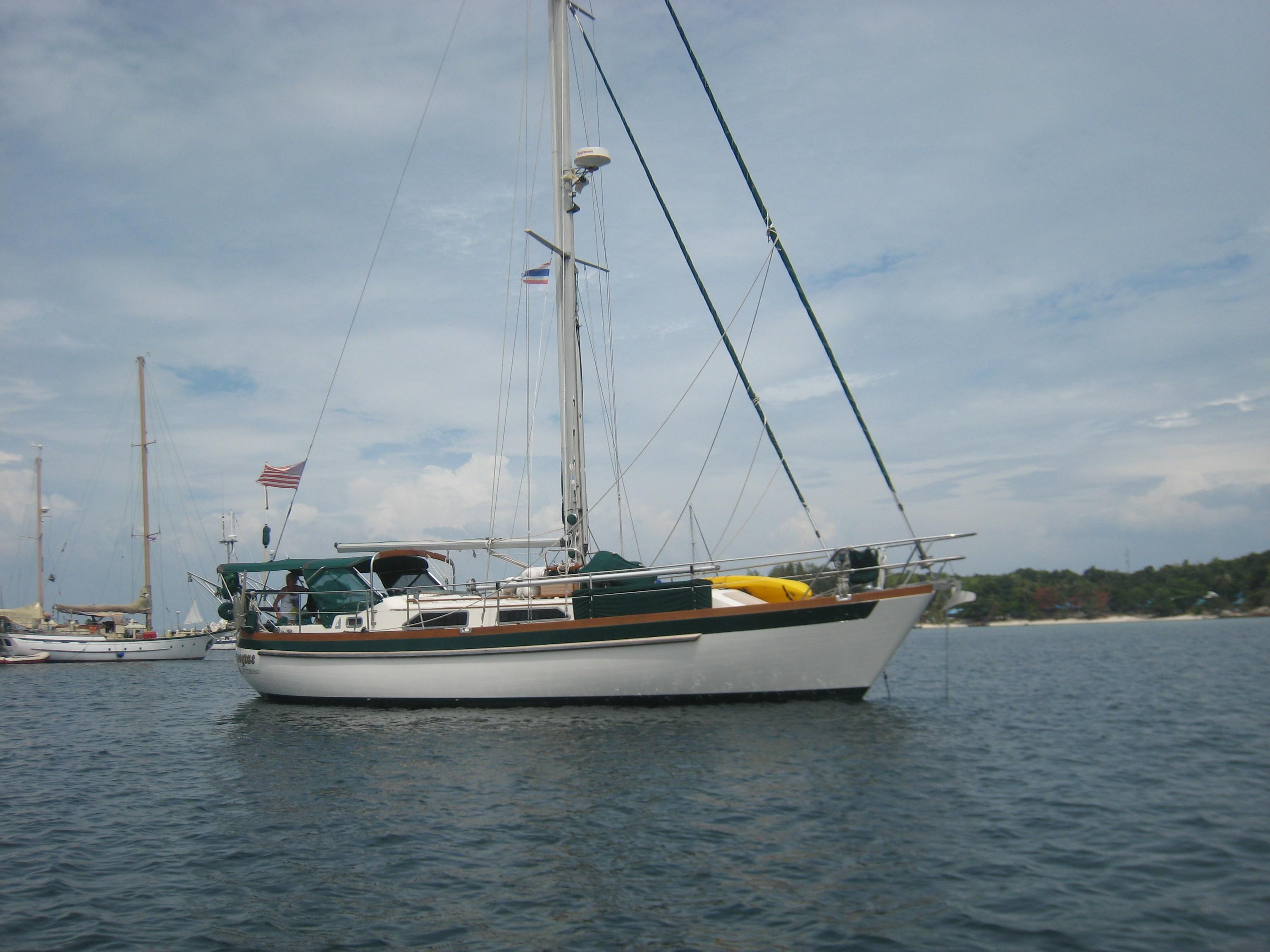 Slocum 43 at anchor