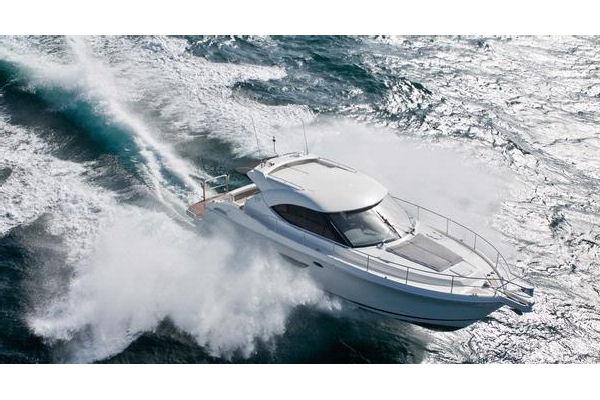 Riviera 4400 Sport Yacht with IPS
