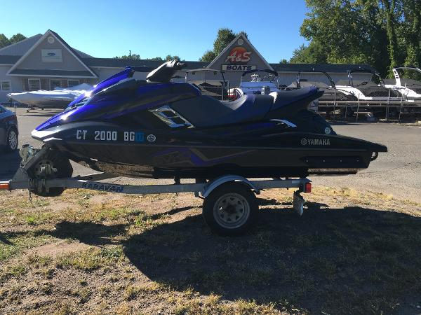 2014 Yamaha boat for sale, model of the boat is FX SVHO & Image # 4 of 10