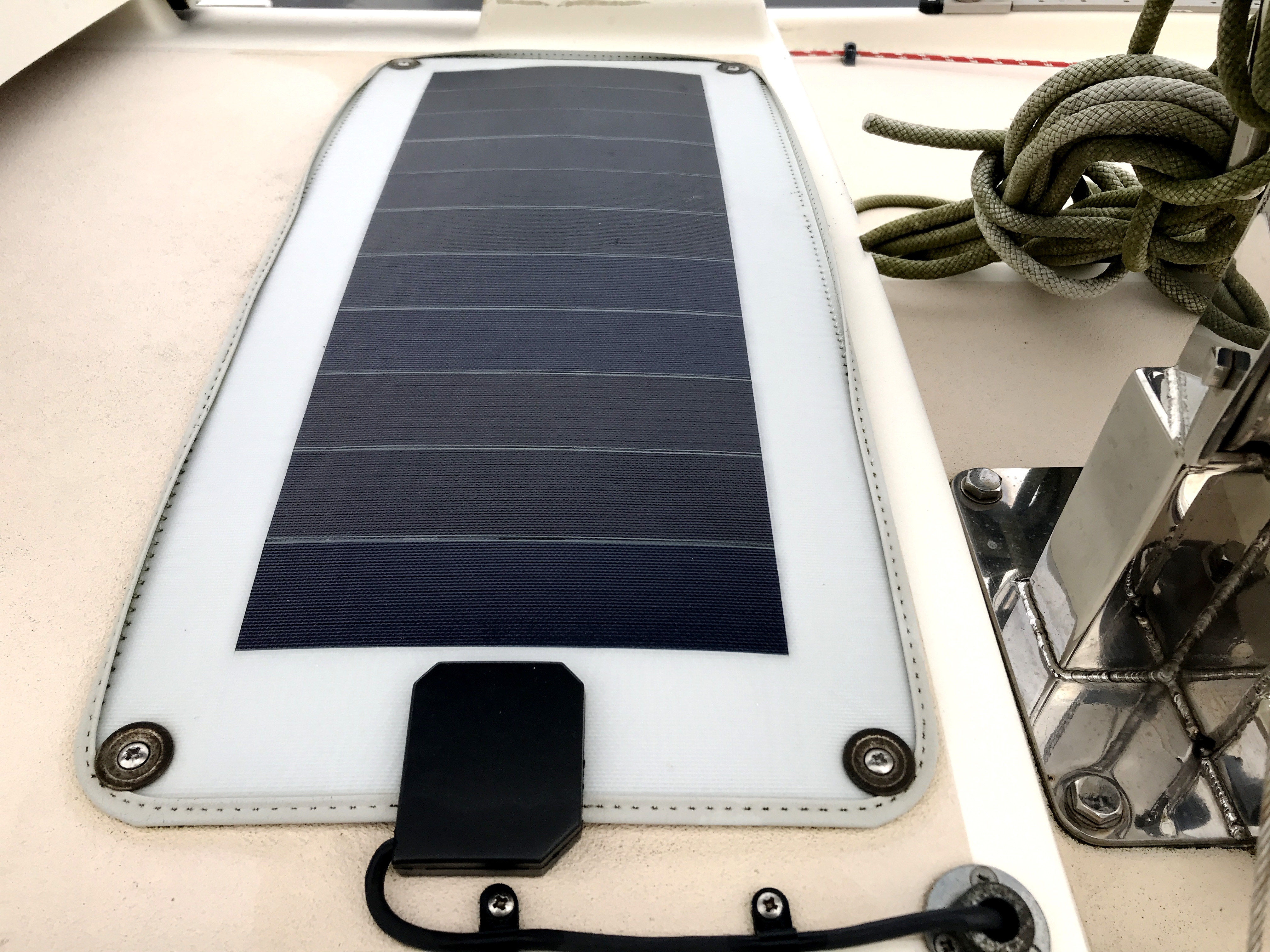 Cornish Crabbers Crabber 22 - solar battery charger