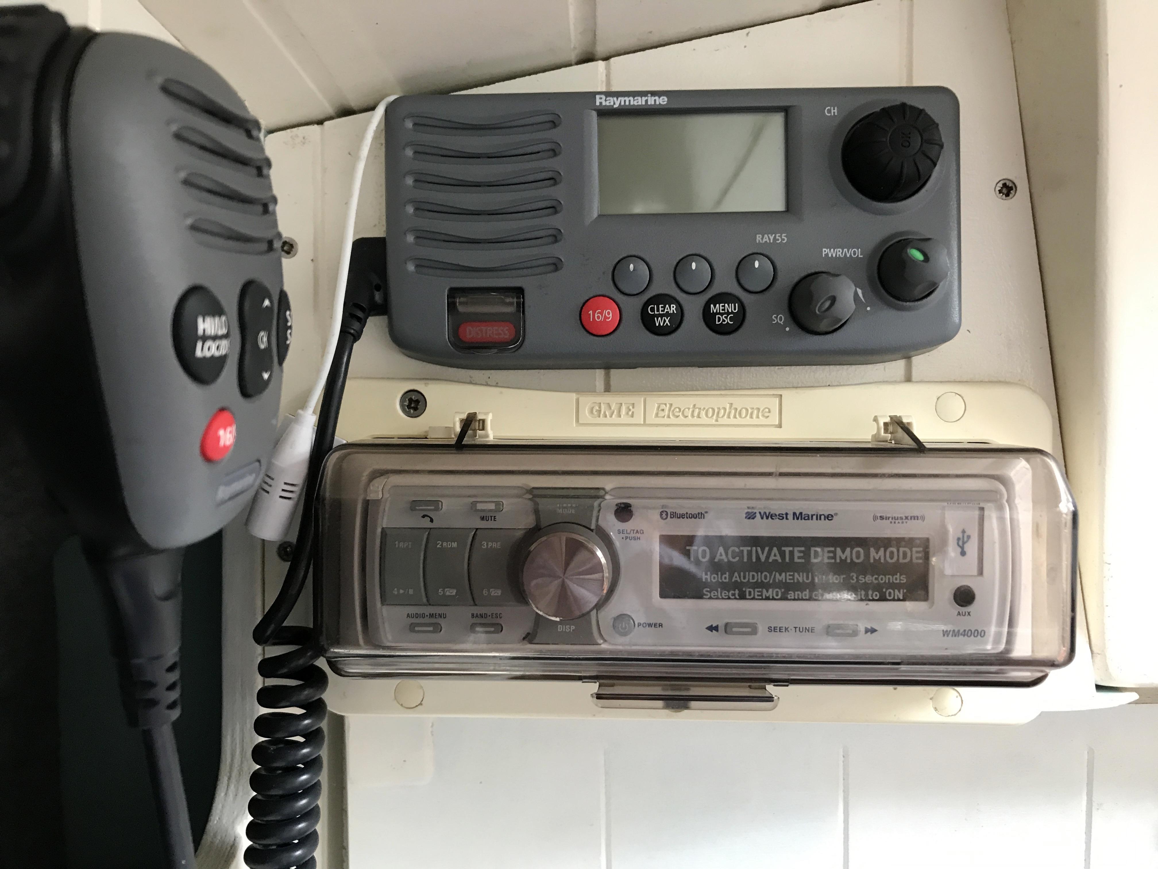 Cornish Crabbers Crabber 22 - VHF and stereo