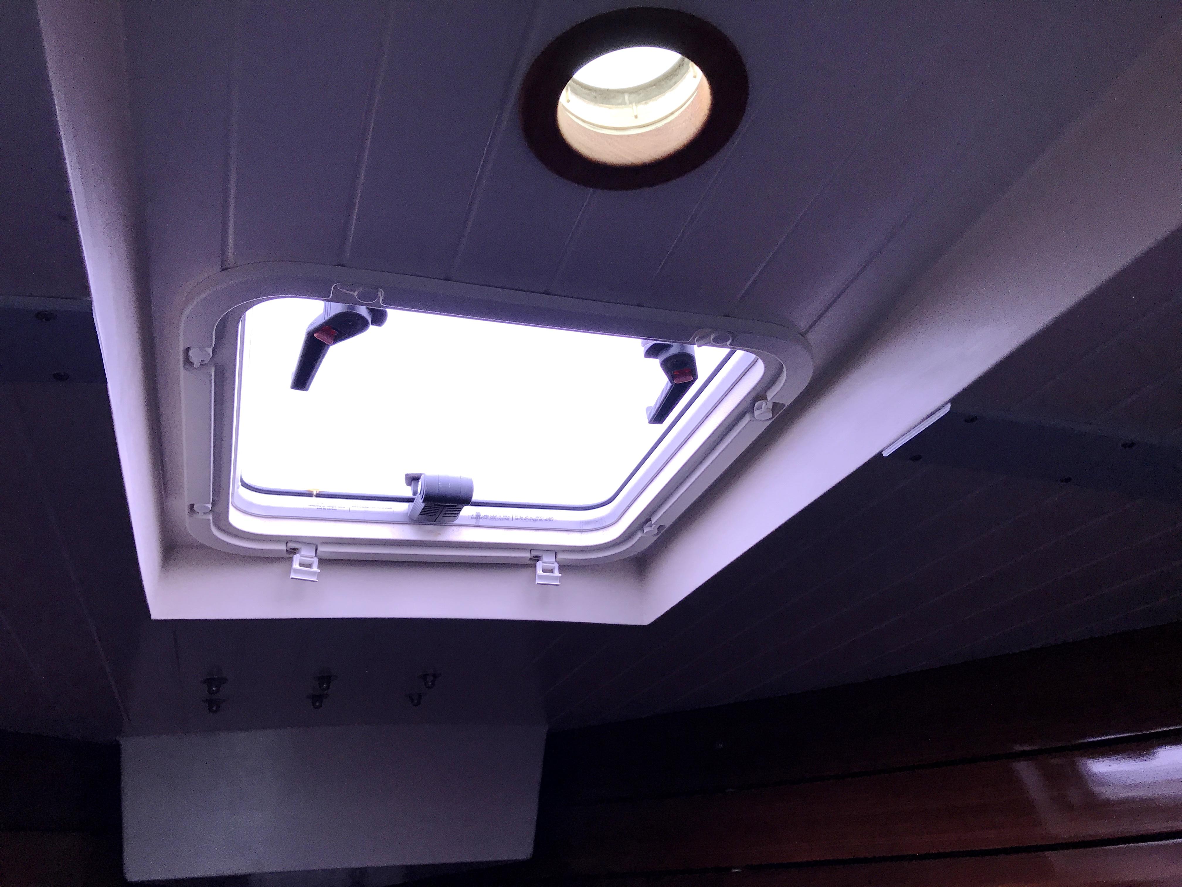 Cornish Crabbers Crabber 22 - v-berth hatch