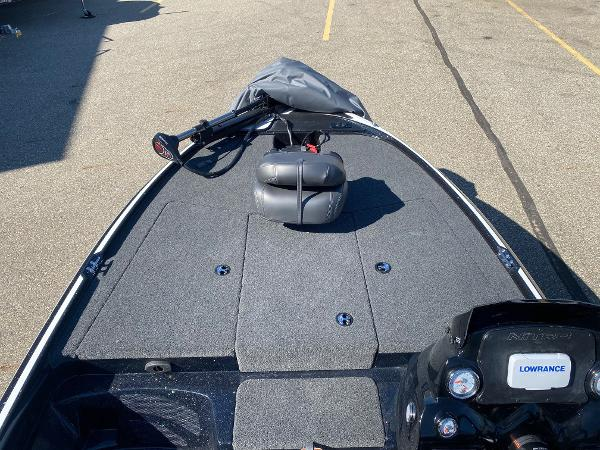 2020 Nitro boat for sale, model of the boat is Z17 & Image # 8 of 91