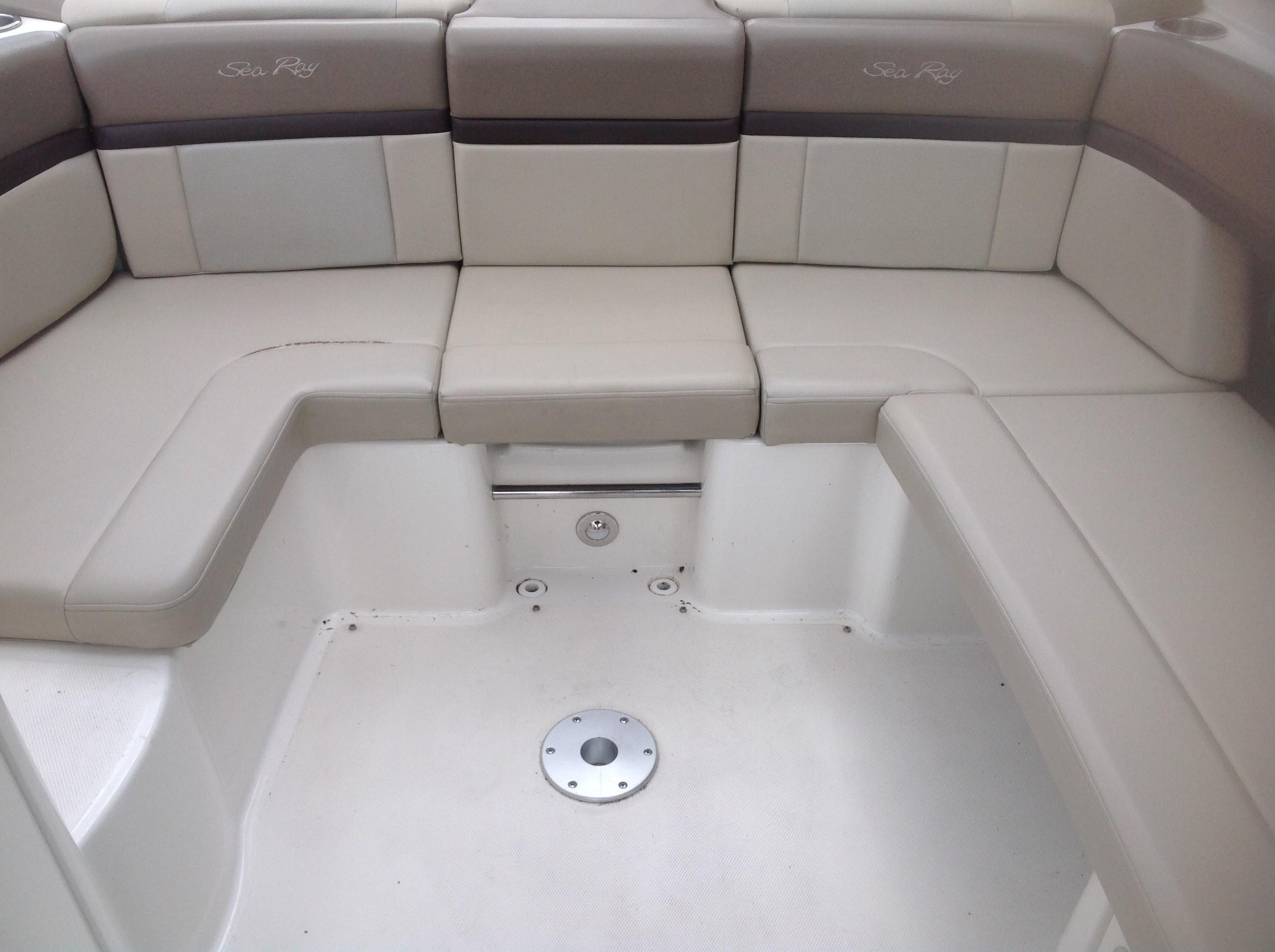 2011 Sea Ray boat for sale, model of the boat is 270 SLX & Image # 3 of 13