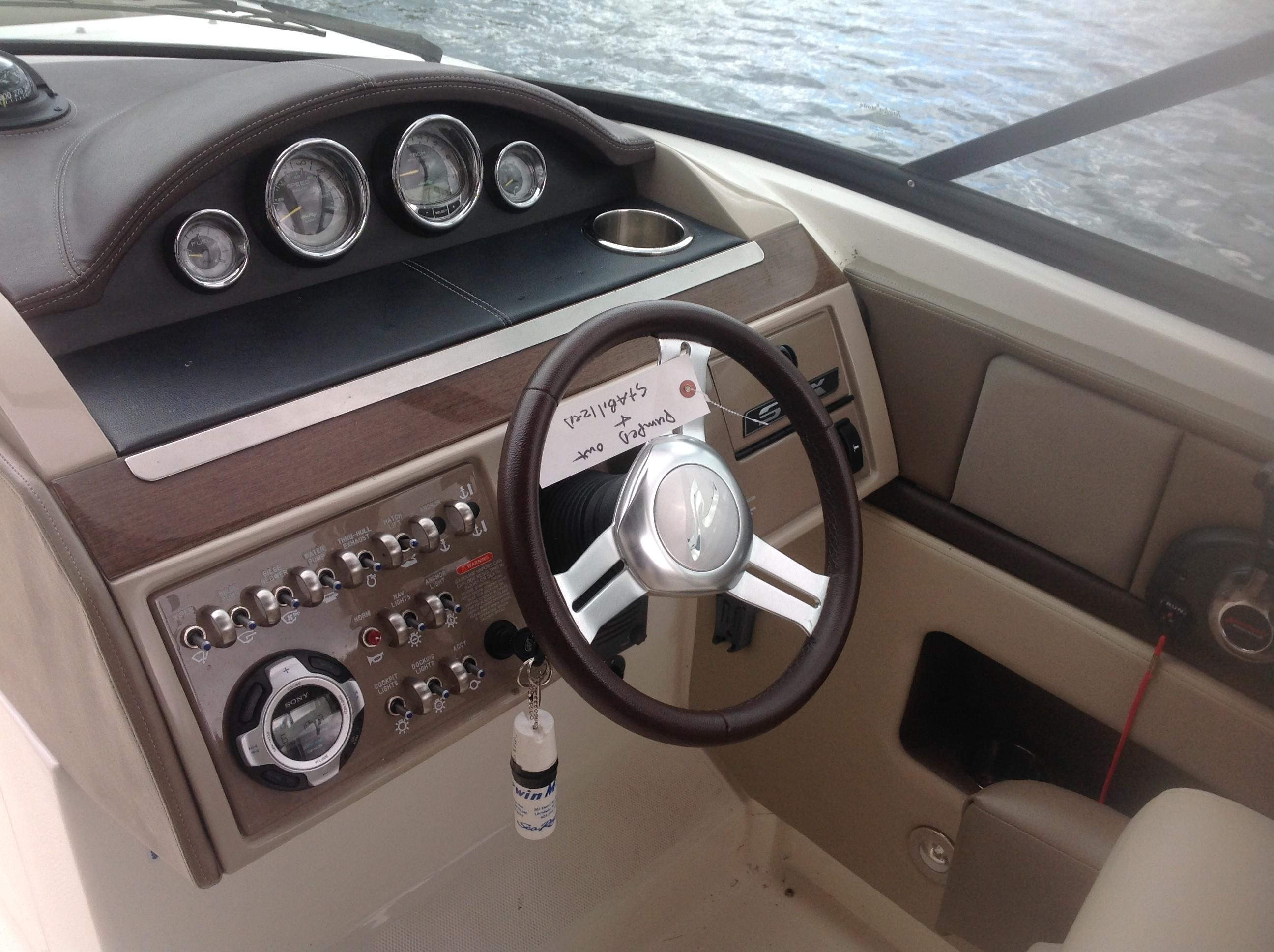 2011 Sea Ray boat for sale, model of the boat is 270 SLX & Image # 5 of 13