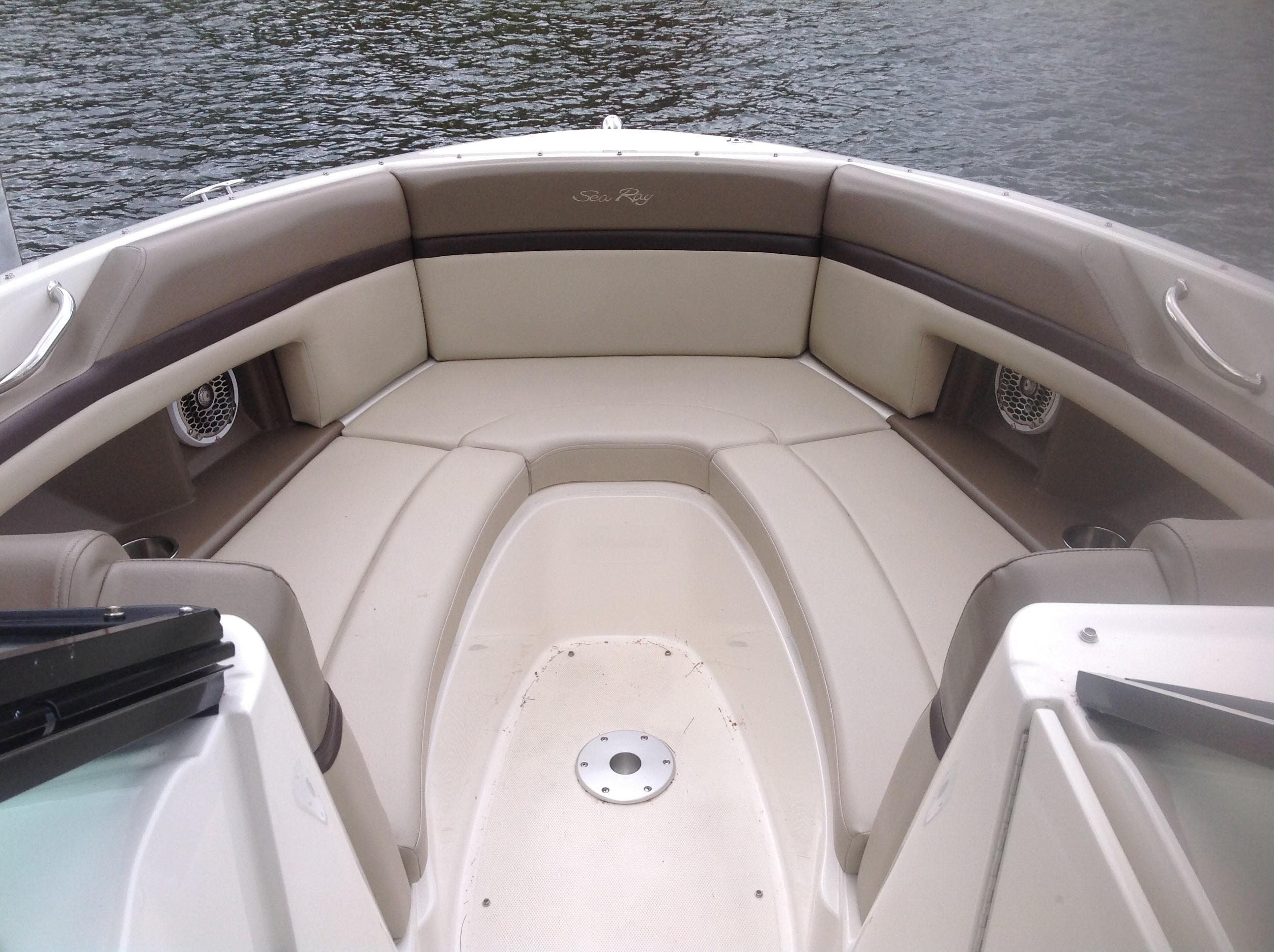 2011 Sea Ray boat for sale, model of the boat is 270 SLX & Image # 2 of 13