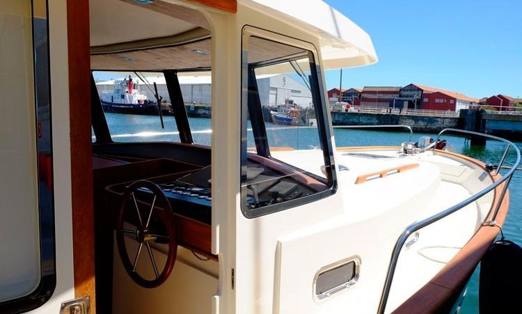 Rhea Marine 34 Trawler  starboard