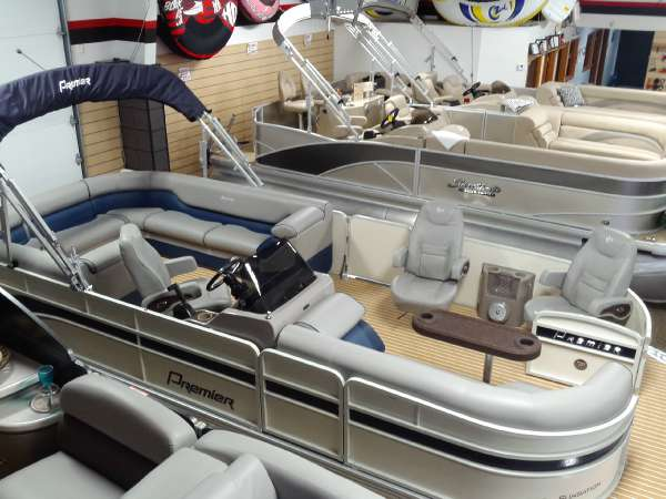 Family marine 2014 premier sunsation 220 dl rf rear for Chaise yamaha