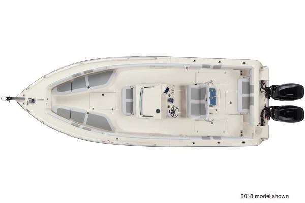 2020 Mako boat for sale, model of the boat is 284 CC & Image # 2 of 3