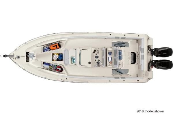 2020 Mako boat for sale, model of the boat is 284 CC & Image # 3 of 3