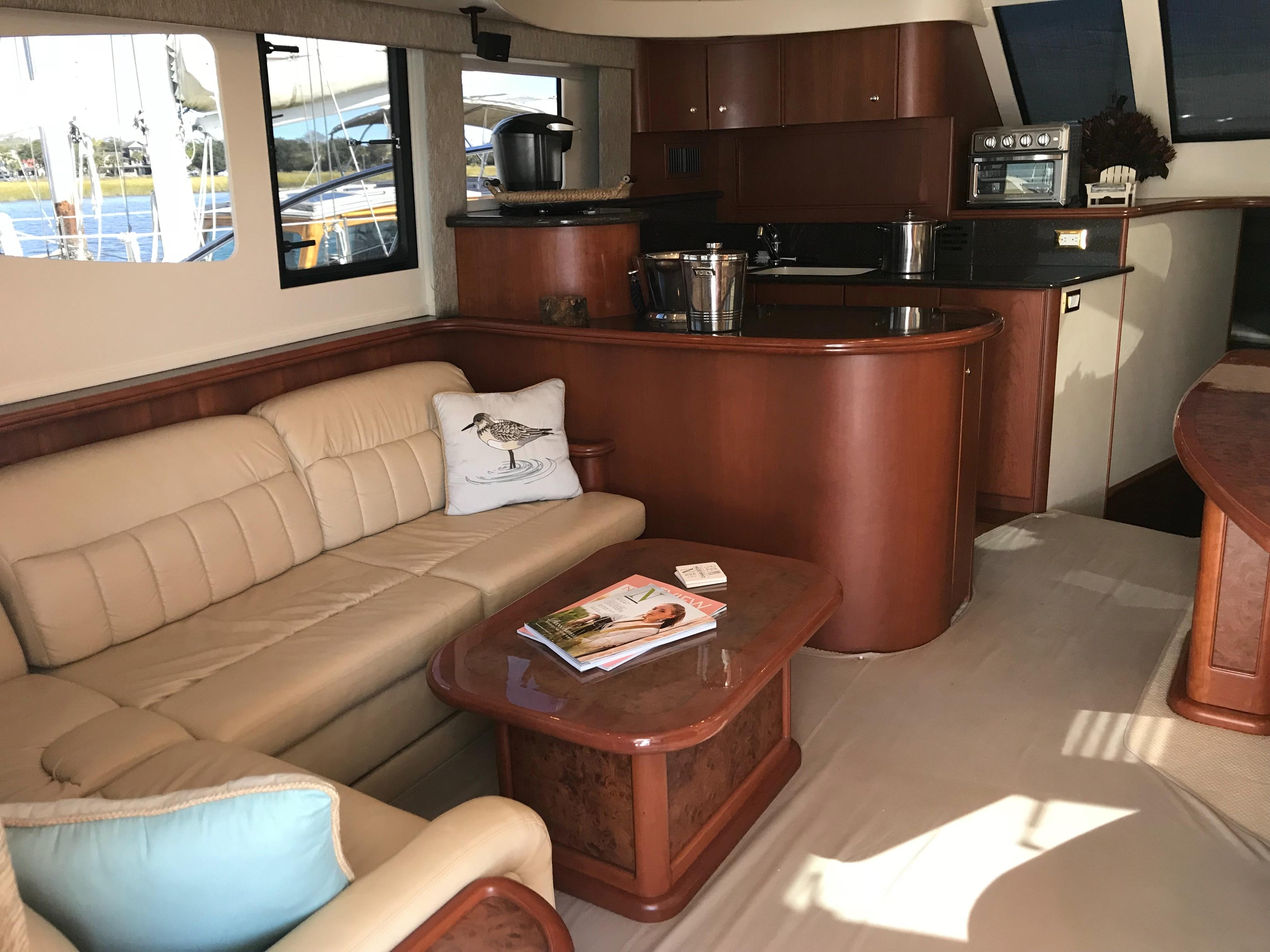 Silverton 48 Convertible - Salon to Port side