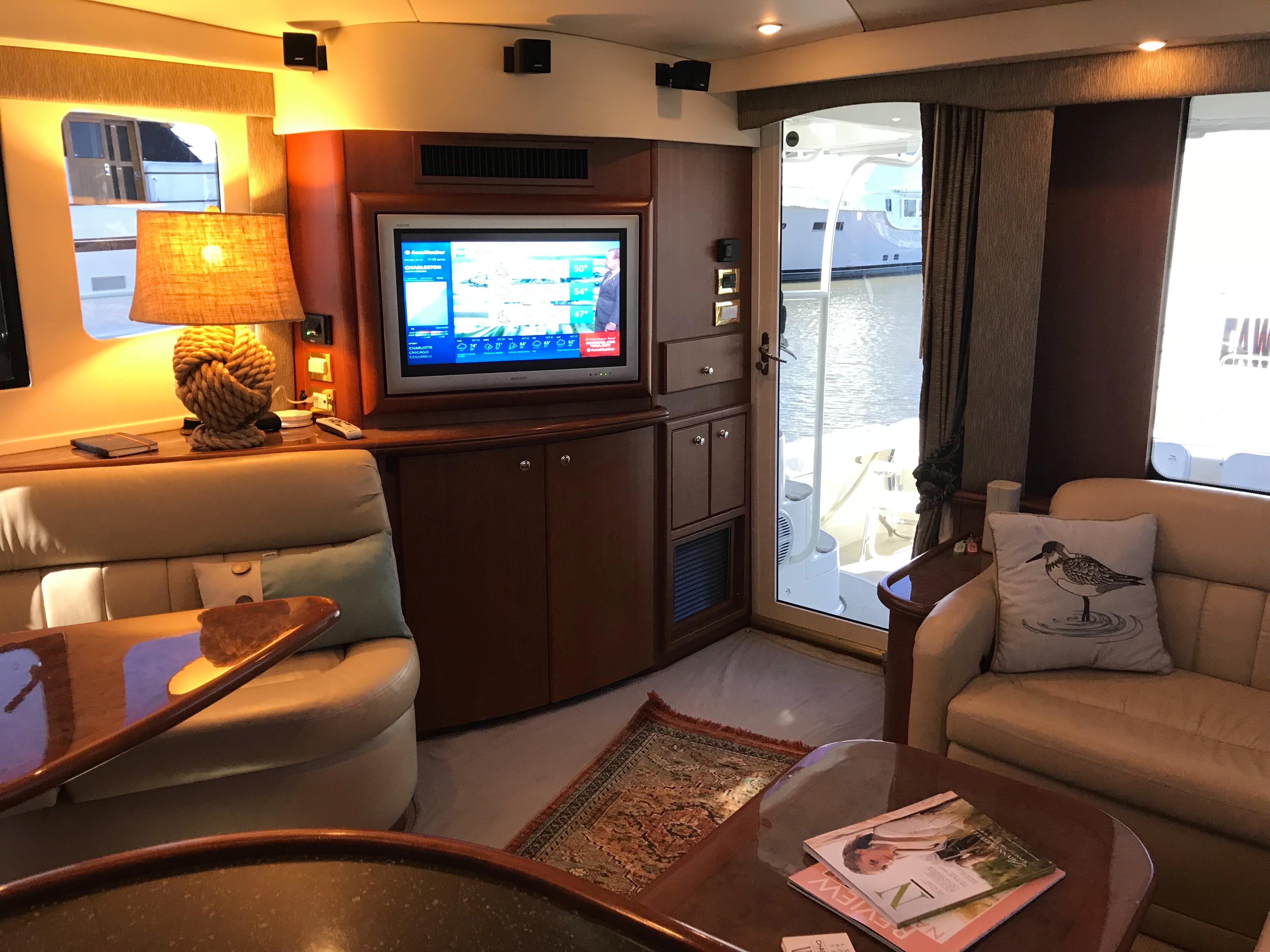 Silverton 48 Convertible - Salon looking aft