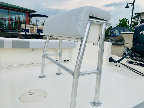 2019 Mako boat for sale, model of the boat is 184 CC & Image # 7 of 51