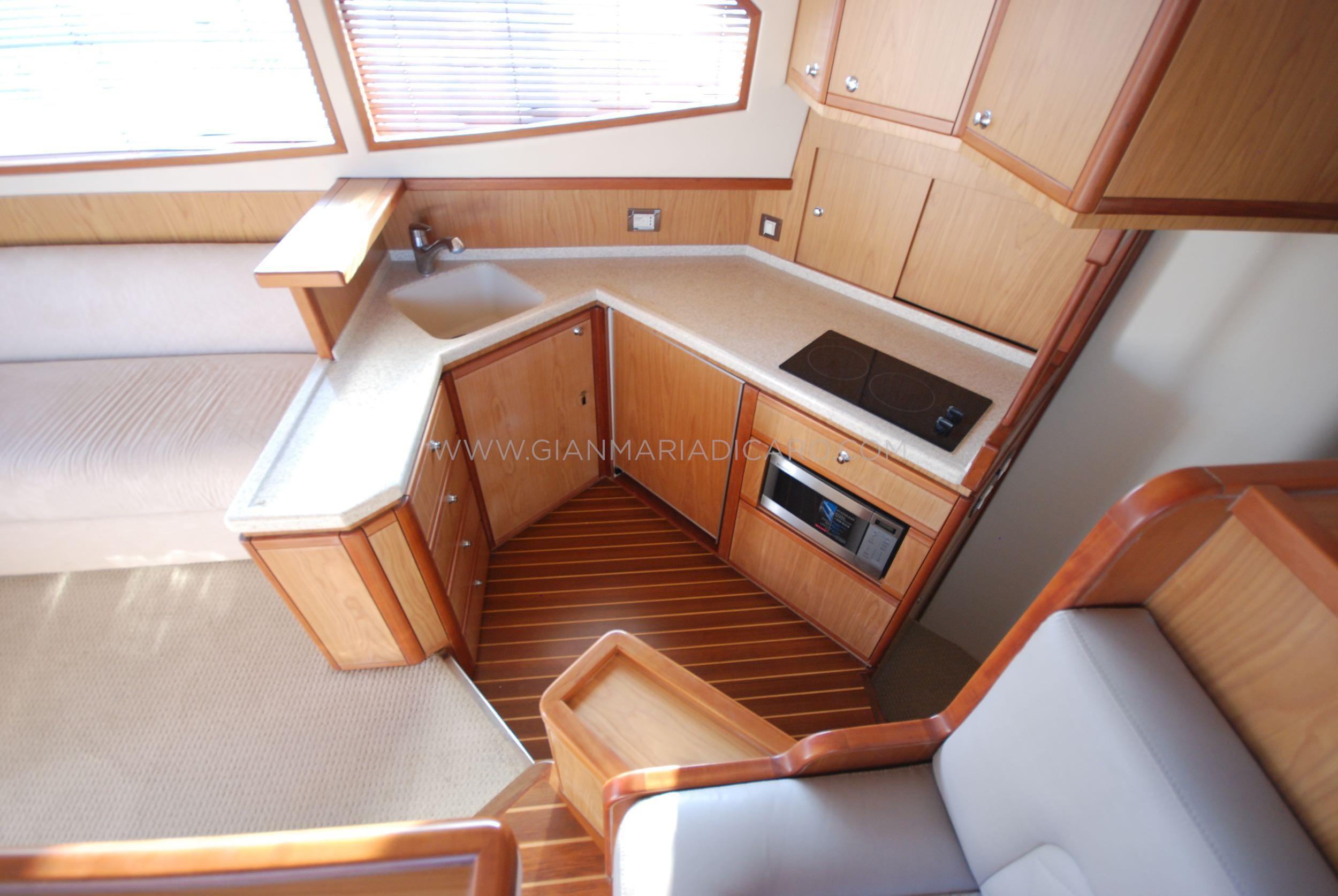 Bertram 410 Convertible 'Moppie' 05